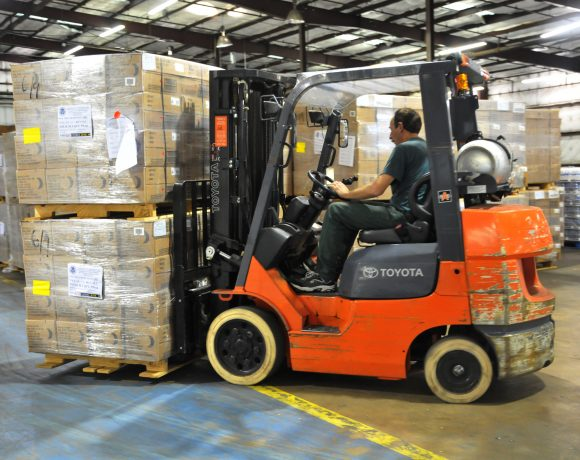 How a PSA Can Help Stabilize Your Pallet Loads for Protective Packaging